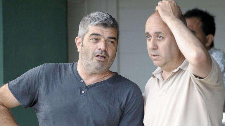 Boscariol (izquierda) junto a Onofri. Troglio también la pasó mal.