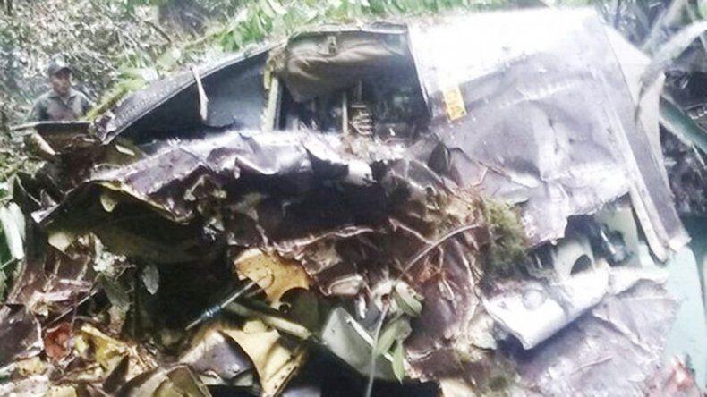 El avión militar cayó en medio de la selva y no hubo sobrevivientes.