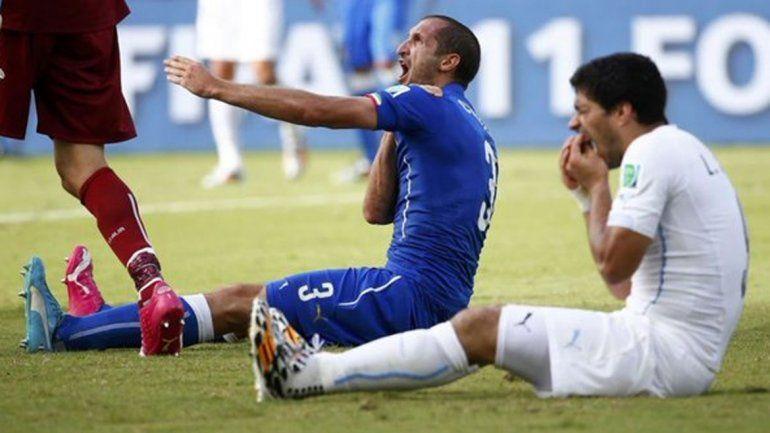 Suárez fue sancionado por el famoso mordisco que dio al defensa italiano Giorgio Chiellini durante el Mundial de Brasil 2014.