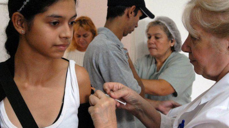 La gripe A se adelantó y piden vacunarse