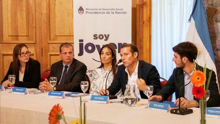 El gobernador abrió el primer encuentro anual del Consejo Nacional de Juventud.