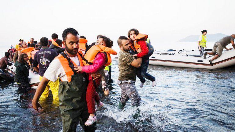 El drama de los refugiados se cobró dos víctimas de uno y dos años.