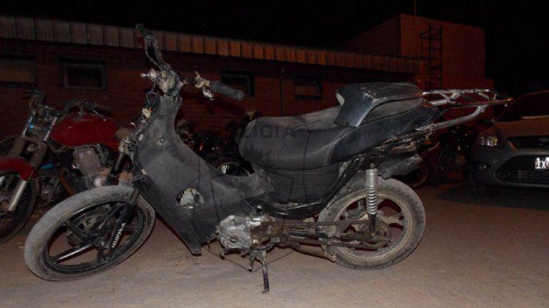 Recuperan una moto robada durante un control en Altos de Neuquén