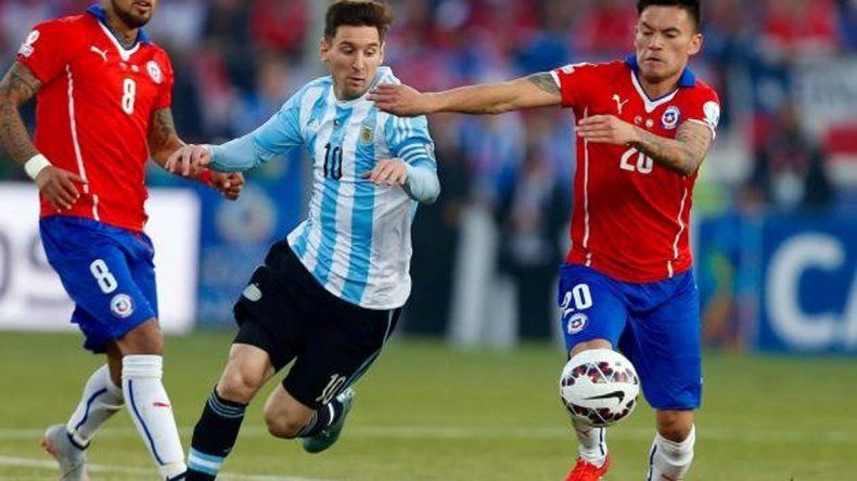 Argentina pierde 1 a 0 con Chile en el inicio del partido