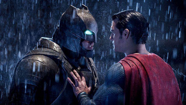 Los hombres detrás de los personajes. Ben Affleck y Henry Cavill fueron los elegidos para encarnar a los dos populares superhéroes.