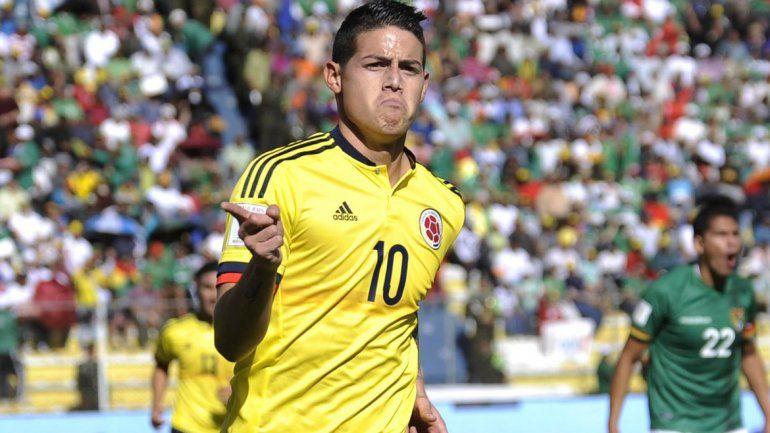 James Rodríguez festeja el segundo de Colombia