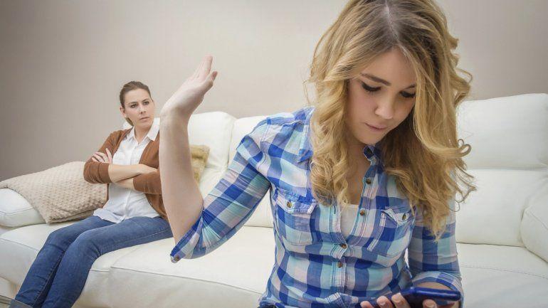 ¿Pegado al celular?, todo depende de la personalidad