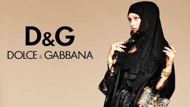 Dolce & Gabbana instaló la polémica del look islámico en París y Londres.