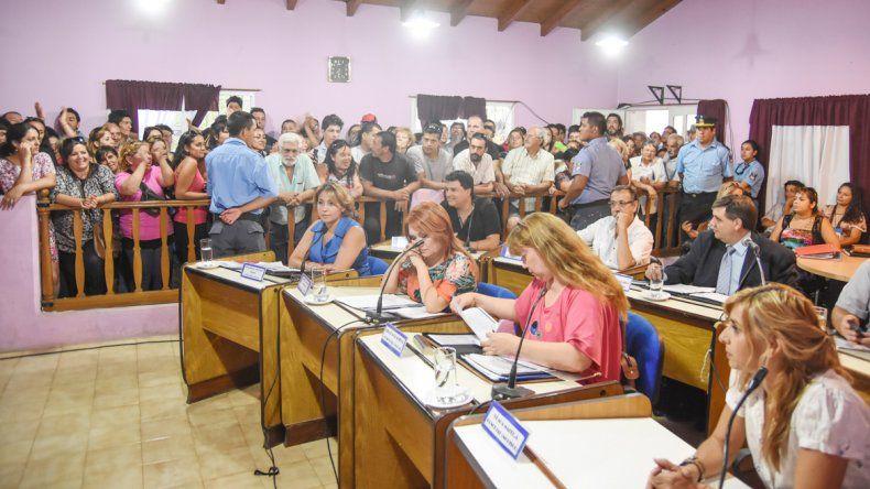 Los ediles opositores dicen que los aumentos serán automáticos.