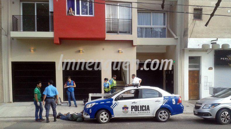 Atraparon a dos ladrones tras cometer un robo en un edificio en pleno centro
