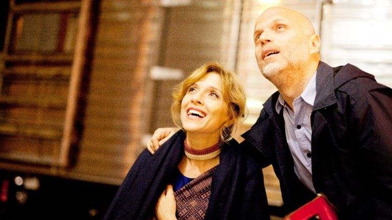 Sebastián Wainraich y Carla Peterson interpretan a una pareja que intenta salir de la rutina en Una noche de amor.