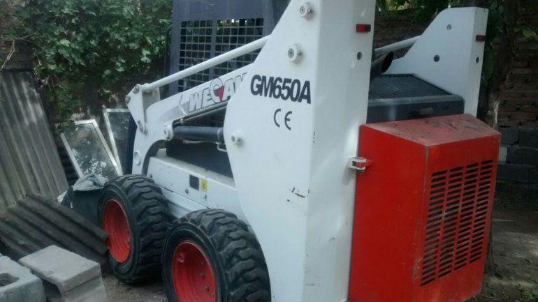 Encontraron una retroexcavadora robada en un allanamiento en Cuenca XV.