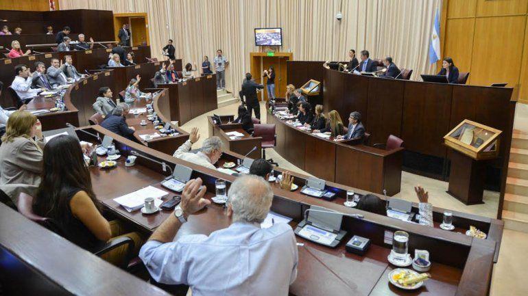 Polémica: diputados quieren que víctimas de violencia aprendan a defenderse