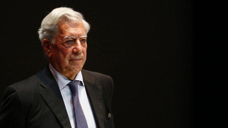 Vargas Llosa también negó haber invertido en una empresa offshore