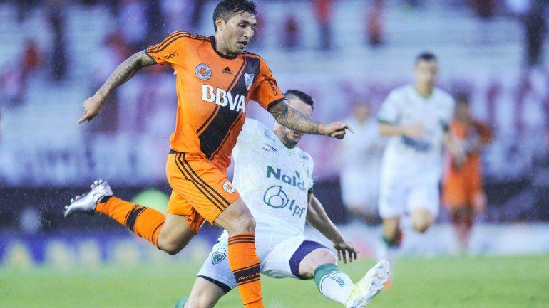 En el segundo tiempo River fue peloteado por Sarmiento.