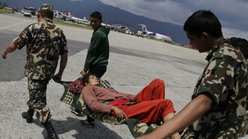 Nepal: desbarrancó un colectivo y murieron 22 personas