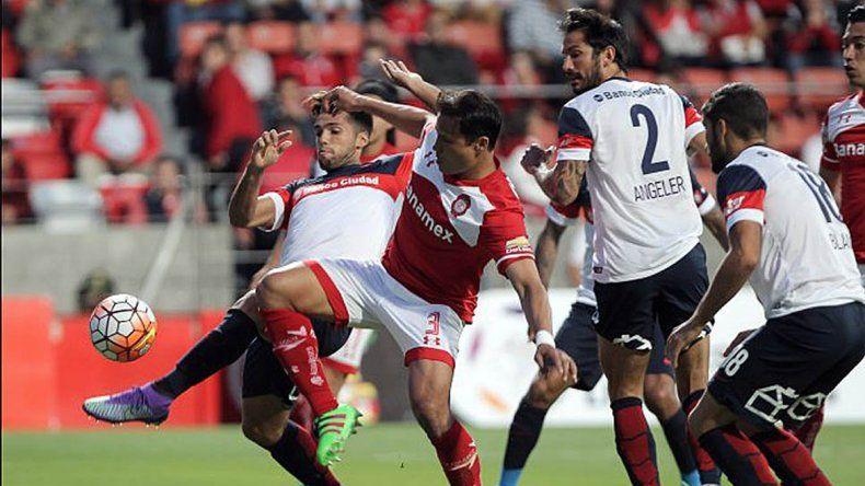 El partido fue intenso y tuvo muchas situaciones en ambos arcos.