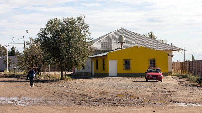 El Salón Amarillo es un edificio de la vecinal Juan Manuel de Rosas.