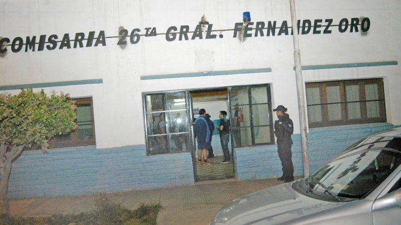 La camioneta recuperada quedó en la Comisaría 26ª de Fernández Oro.