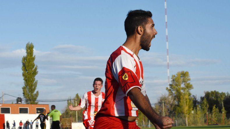 La euforia del defensor tras el gol que significó un valioso éxito para el Rojo
