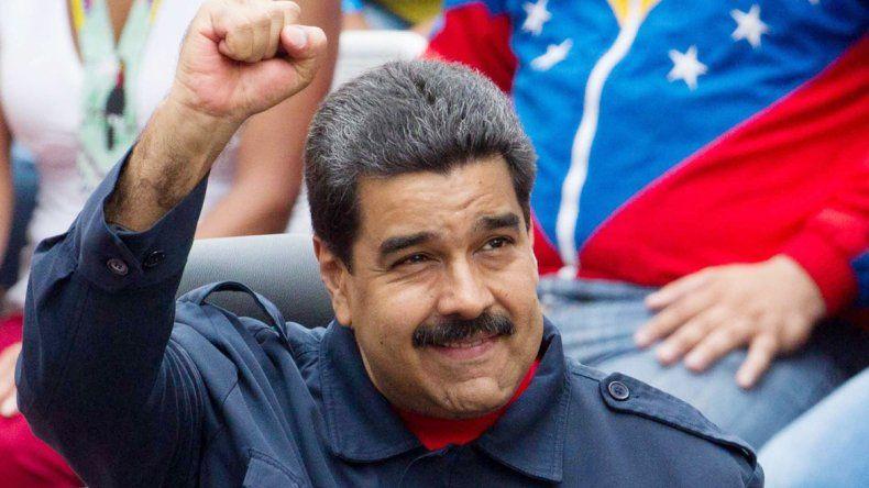 Maduro decidió cambiar el horario por la crisis de electricidad.