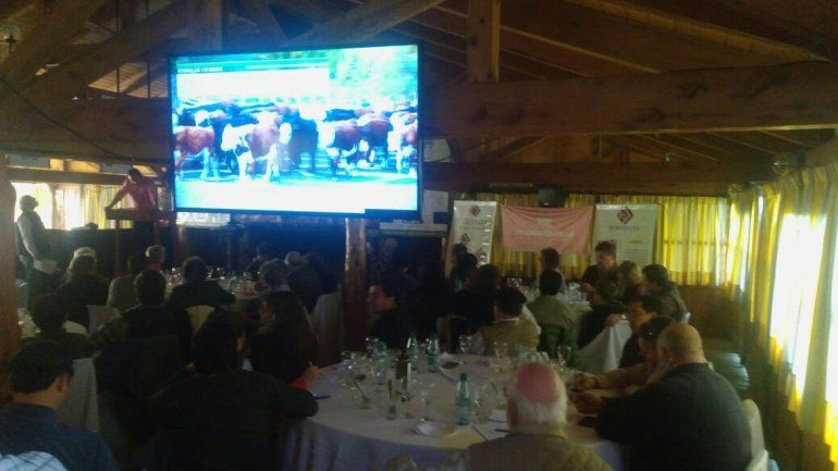 El evento se desarrolló ante una multitud.