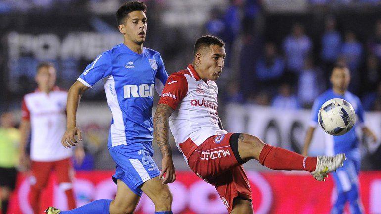 Racing empató con Argentinos en Avellaneda.