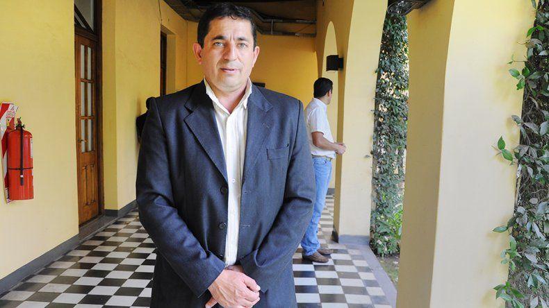Néstor Fuentes resultó herido en el vuelco cerca de El Huecú.