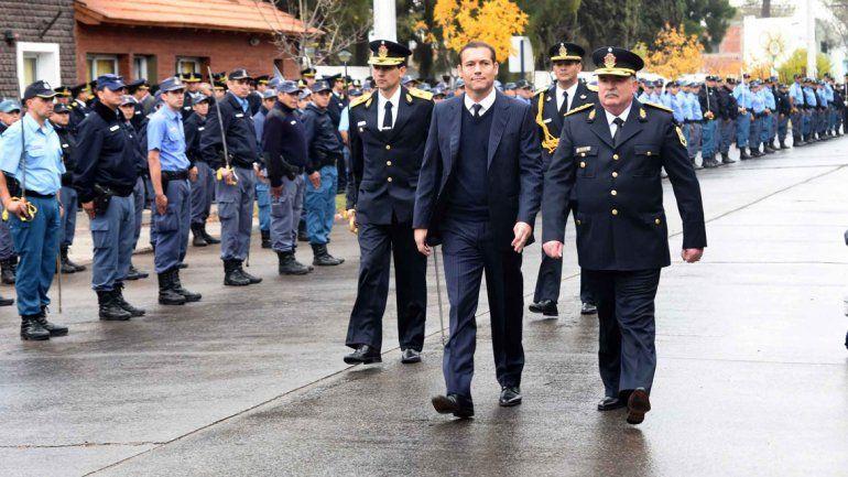 El gobernador estuvo ayer en el acto del 59º aniversario de la policía de la provincia.