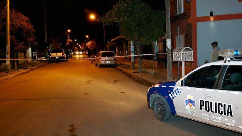 La Policía llegó muy rápido al lugar y detuvo a dos hombres.