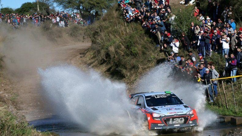 Hayden Paddon tomó el mando del Rally de la Argentina.