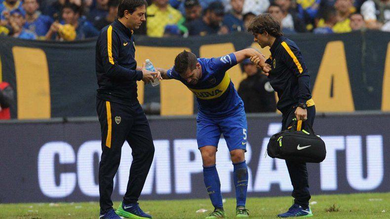 Fernando Gago se lesionó otra vez durante un Superclásico