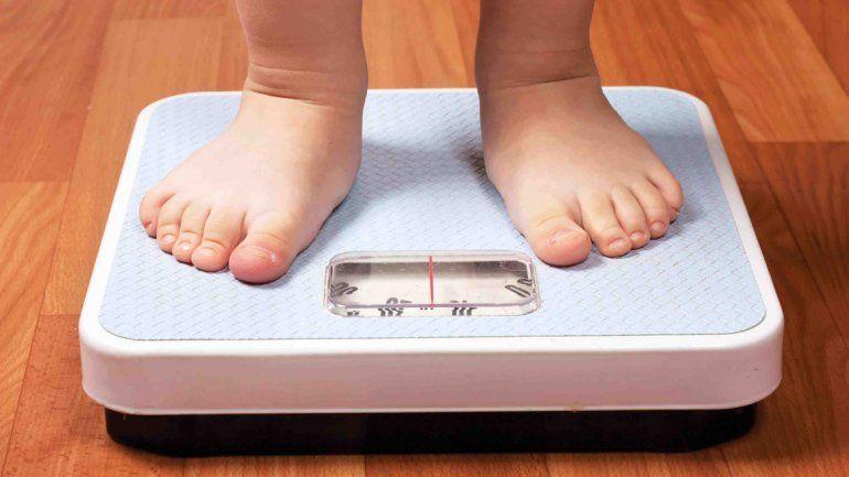 El sobrepeso es 31% más frecuente entre los chicos más pobres