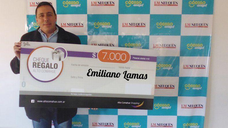 Emiliano ya tiene sus $7000 para gastar en el shopping