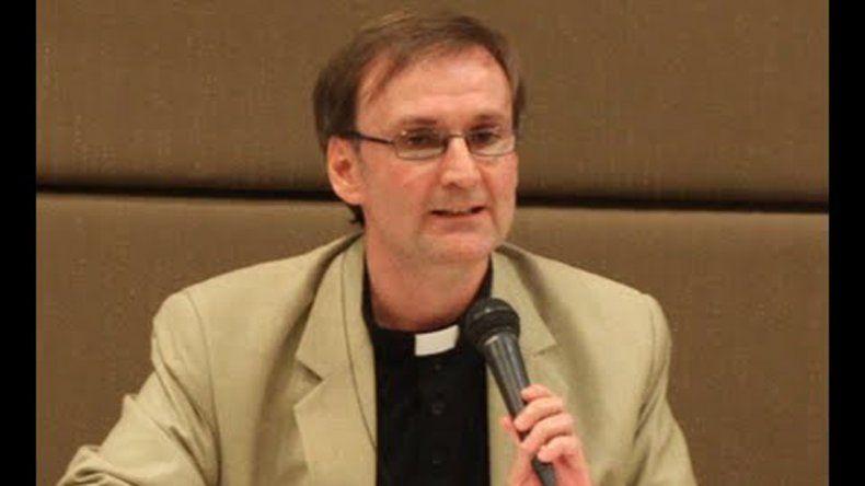 Agosta Scarel dará una charla el martes en la Catedral neuquina.