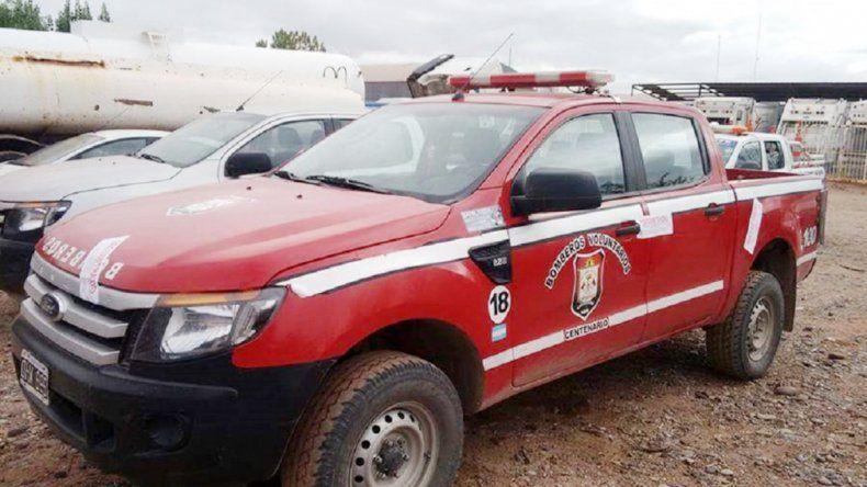 La Ford Ranger quedó secuestrada y los bomberos quedaron a pie.