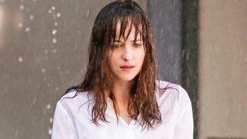 Dakota Johnson confesó que no es cómodo tener que rodar tantas secuencias de sexo y que está sobrepasada con las escenas eróticas.