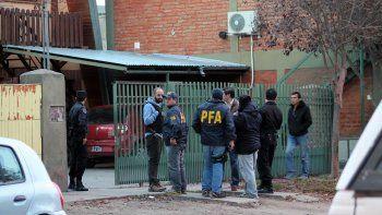allanaron la casa del guardafauna acusado de hacer de guia a cazadores furtivos