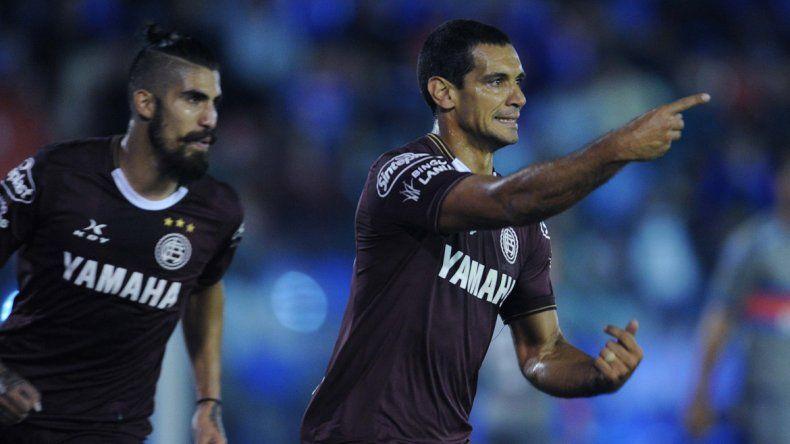 Lanús venció a Tigre y quedó a un paso de ganar su zona