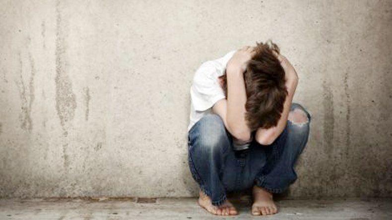 El nene abusado vive un calvario luego de lo que le hizo su papá.
