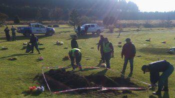 Fueron a cavar una fosa y encontraron restos óseos desconocidos en Junín de los Andes.