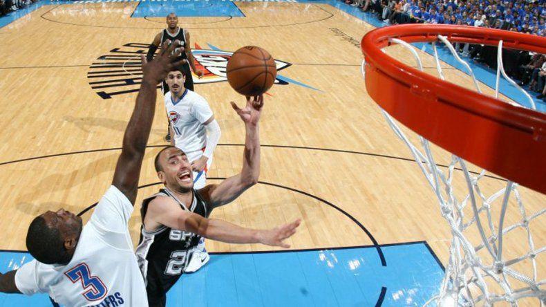 Los Spurs sumaron otra victoria y están arriba en la serie