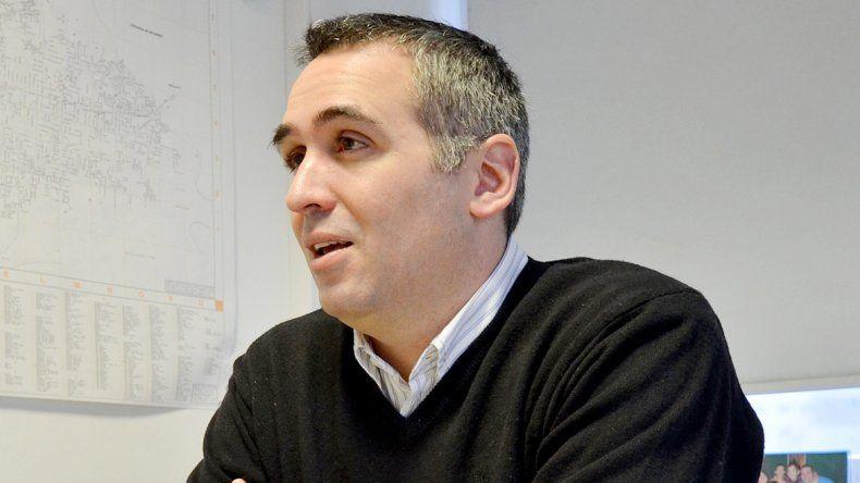 Francisco Sánchez salió tras los cuestionamientos de Comelli.