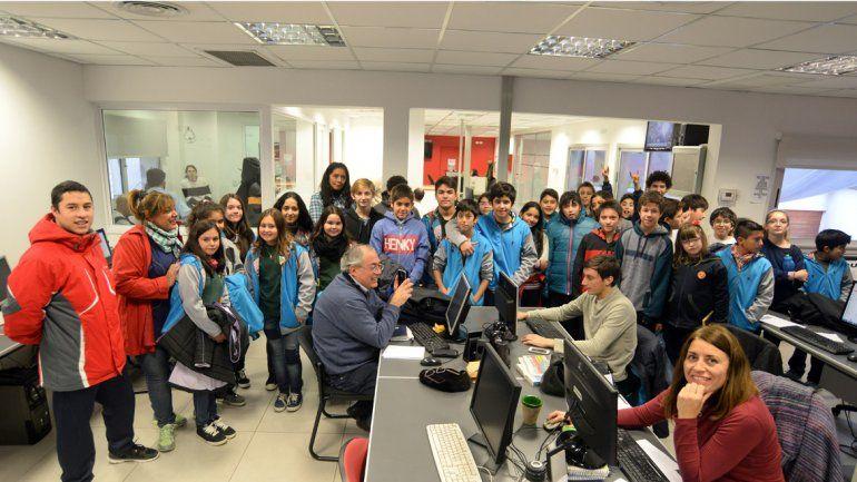 Estudiantes de la Escuela Crear visitaron la redacción del diario