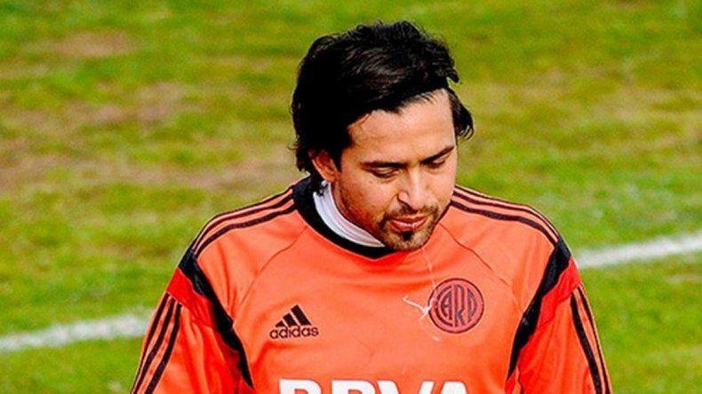 Mora no jugará por una lesión ante Gimnasia. Pisculichi otra vez fue marginado y prepara las valijas.