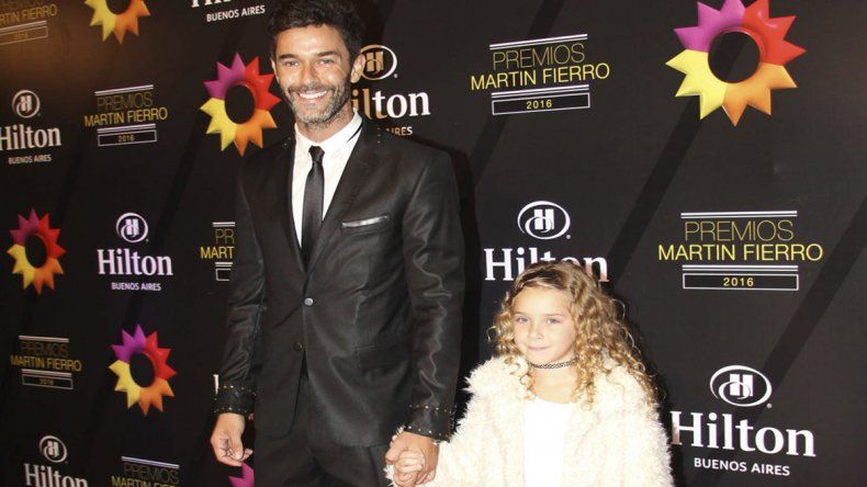 Mariano Martínez junto a su hija Olivia.