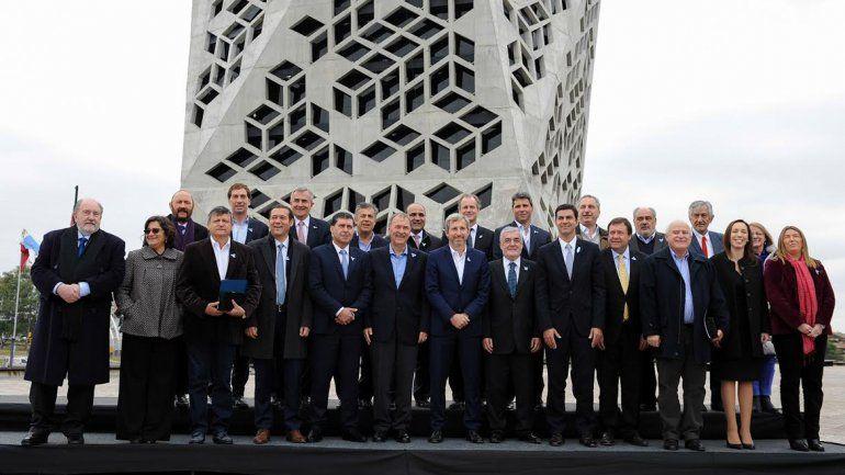 Neuquén firmó con Nación el acuerdo por la Coparticipación Federal