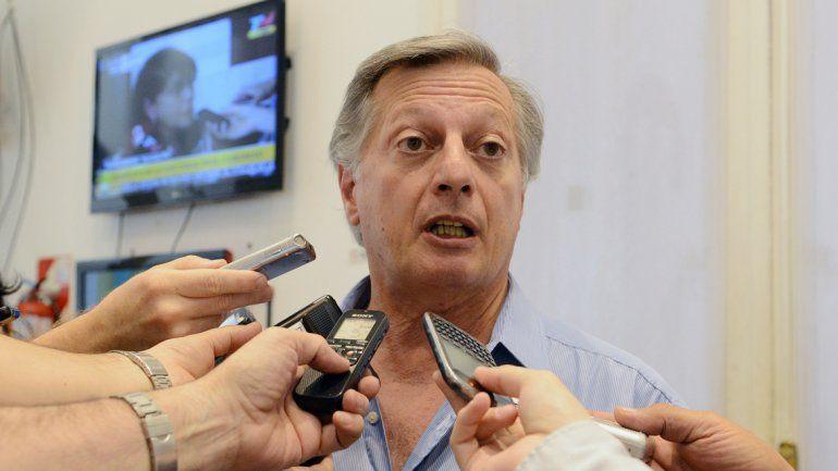 Aranguren cosecha críticas dentro y fuera del gobierno de Macri.