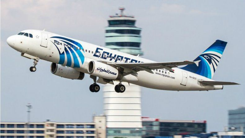 Un avión con 69 personas a bordo desapareció en Egipto