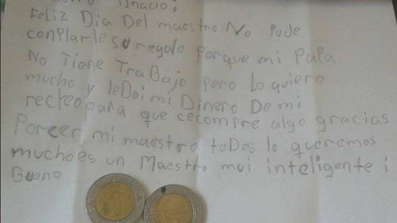 La niña tuvo un notable gesto con su maestro.